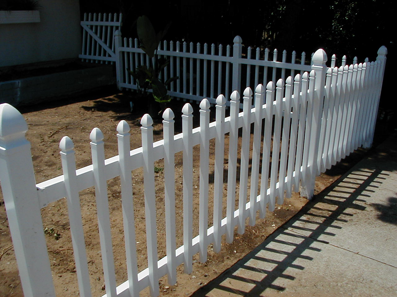 Bear fence san diego ca white vinyl picket fence with spear caps baanklon Images
